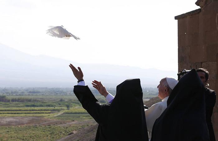 Pope_armenia_05